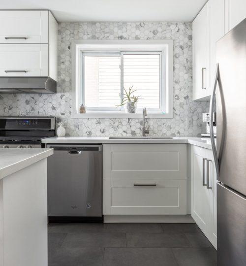 Millview kitchen remodel Toronto (cabinets & backsplash)